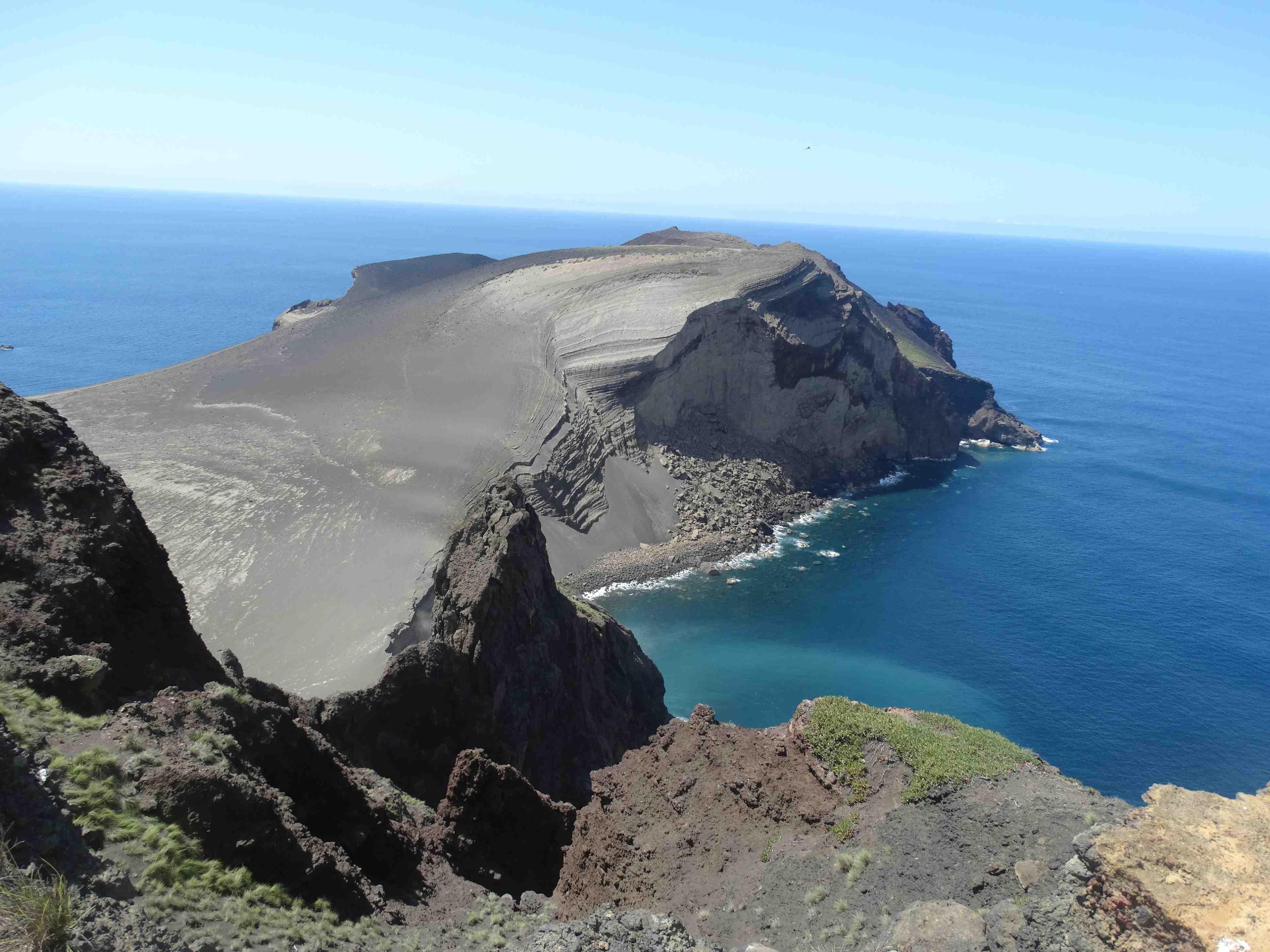 Krater van de vulkaan Caleira - Faial