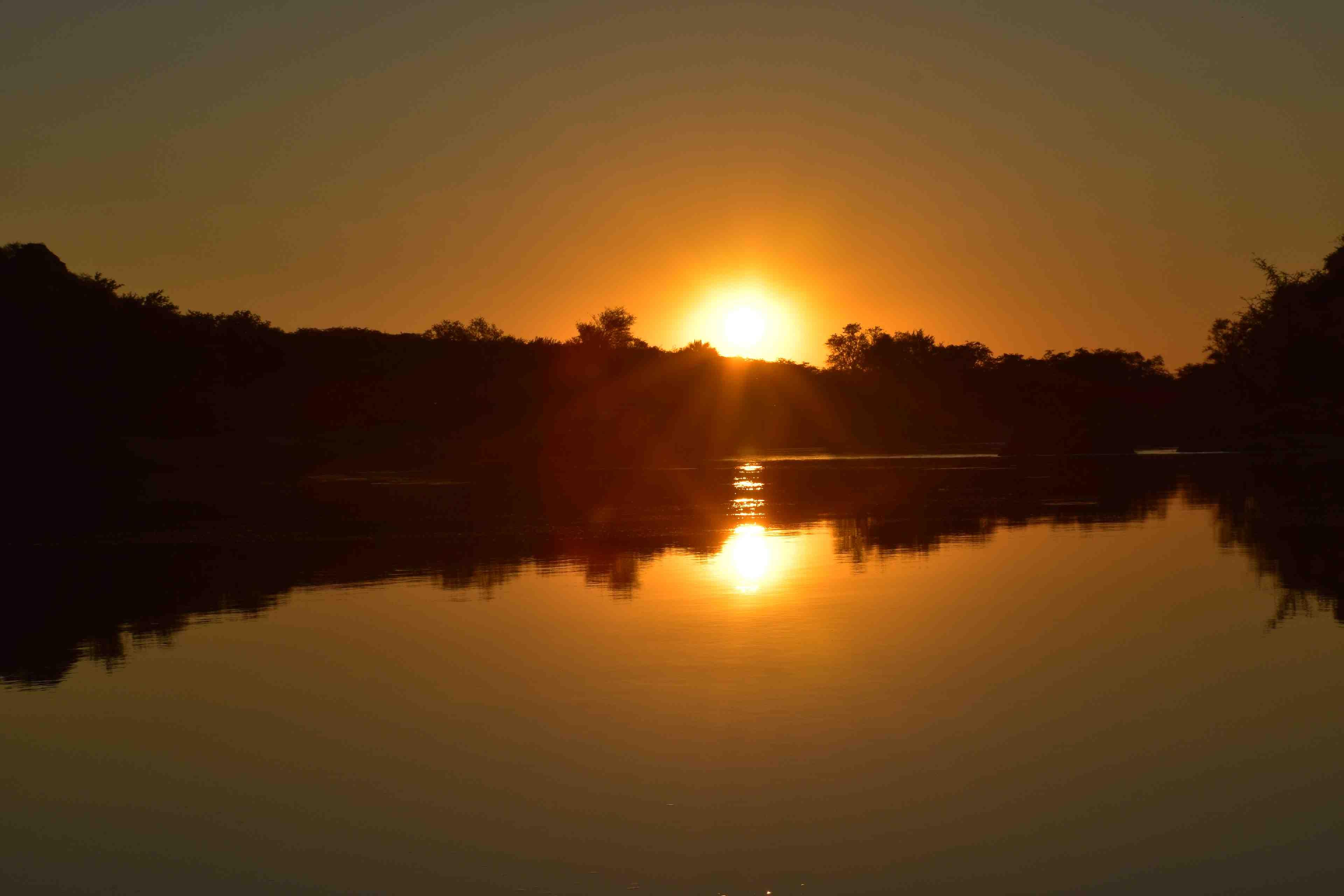 Zonsondergang Kunene River Lodge