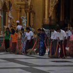 Vegers in Shwedagon Paya in Yangon