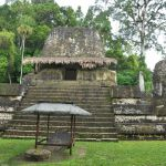 Maya ruïnes in Tikal